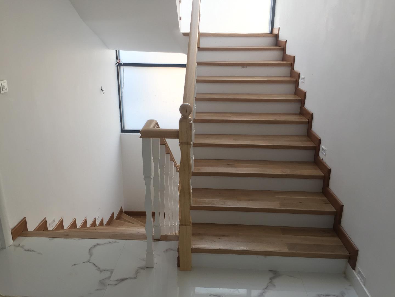 Ahşap Merdiven Atolyesi